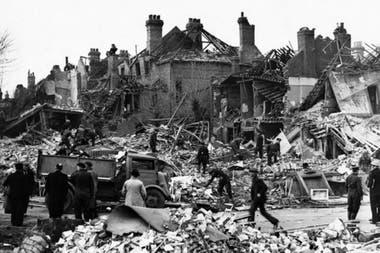 Ракетные атаки V2 против Лондона начались 8 сентября 1944 года.