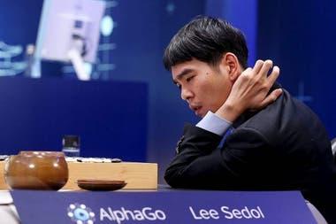 AlphaGo победил Ли Седола три раза, но чемпион по специальности сумел победить систему Google в четвертом из пяти согласованных матчей
