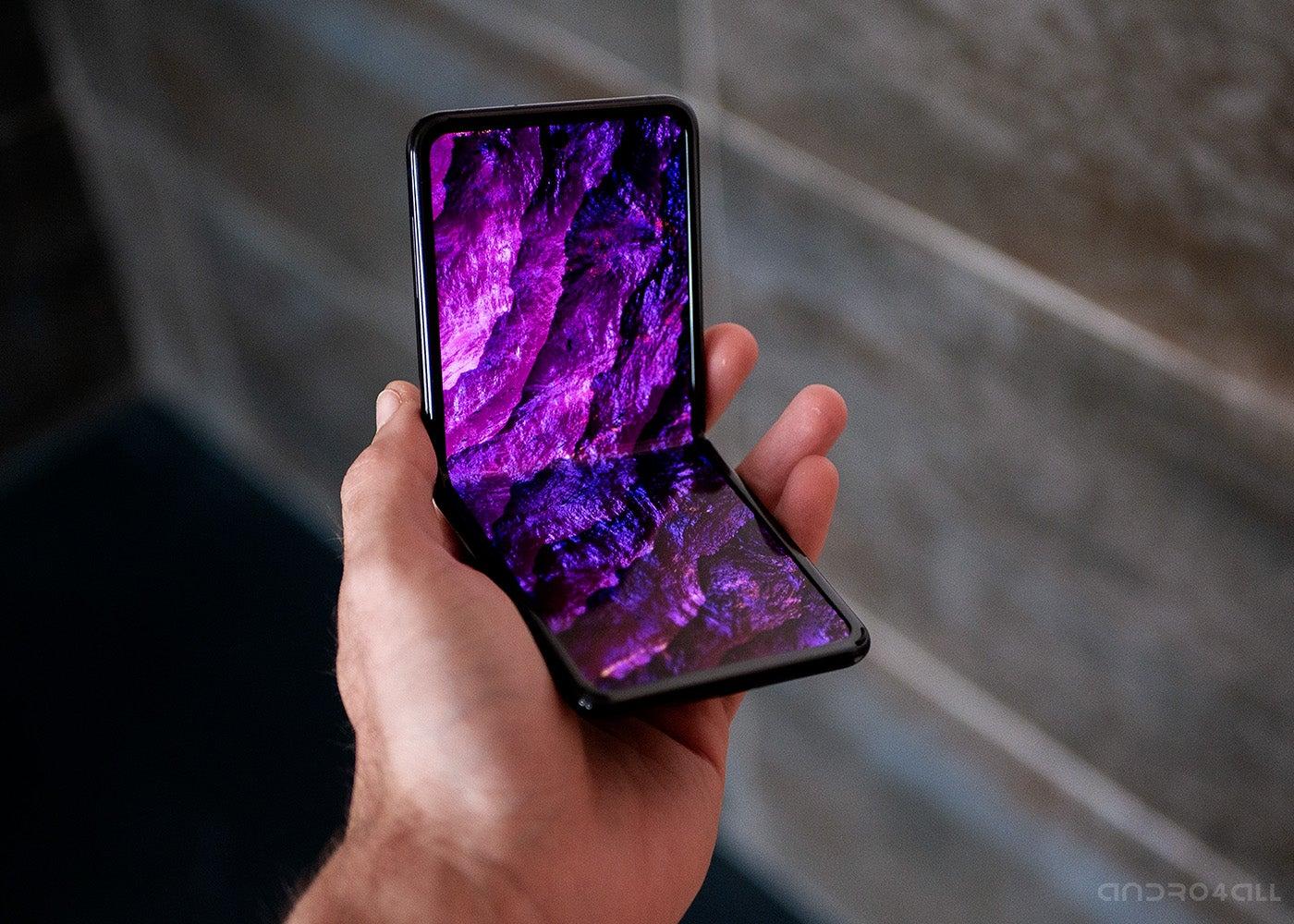 Samsung Galaxy Z откидной экран