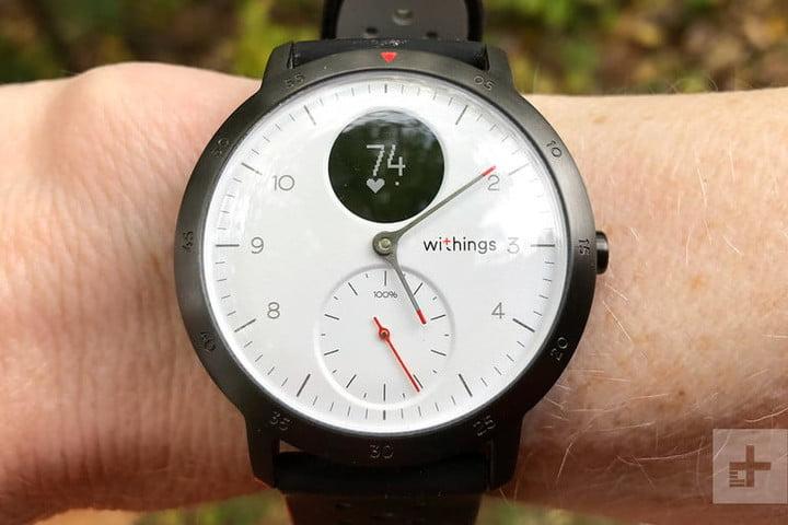 Withings Steel HR Sport - это умные часы, которые выглядят как традиционные.