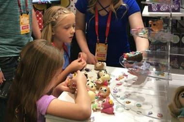 Bonkers Toys, которая работает с Райаном, также сотрудничает с Trinity Beyond girls
