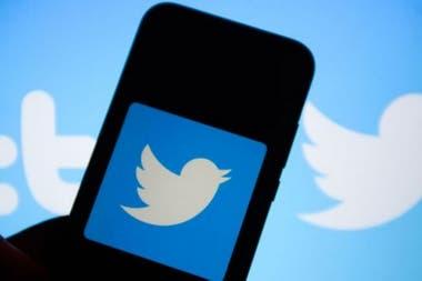 Twitter оценивается примерно в 26 000 миллионов долларов США