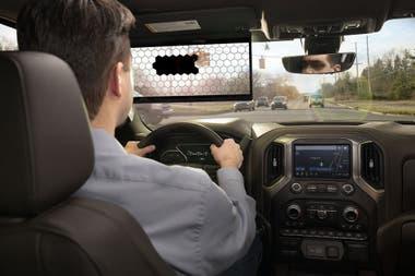 В зависимости от бликов солнца на восходе или закате солнца, Virtual Viewer частично затеняет экран, не влияя на видимость водителя