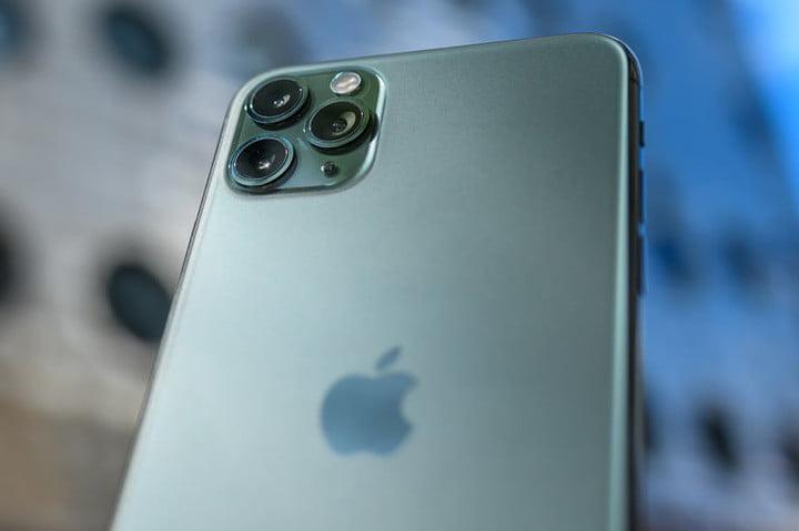 задняя часть зеленого iPhone 11 Pro Max
