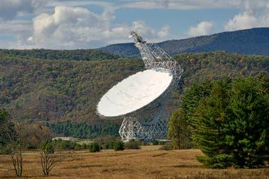 Телескоп Green Bank в Западной Вирджинии собирал информацию из дальнего космоса, которая была обработана добровольцами программы SETI @ Home