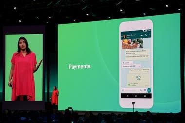 Просмотр экрана чата с функцией WhatsApp Pay, службой оплаты и перевода, которая уже работает в Индии.